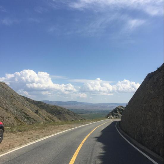 新疆蔚蓝的天空 - 环球房车
